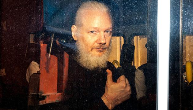 Суд у Британії відмовив в екстрадиції Ассанжа до США