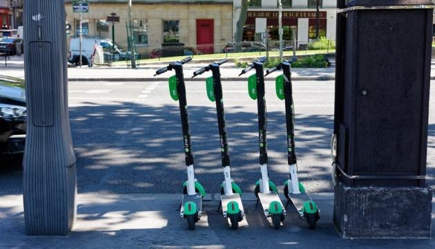 Е-самокаты выживают из города пешеходов