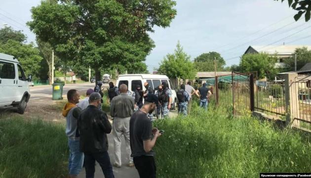 Обыски в Крыму: оккупанты задержали восемь человек,