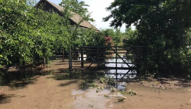 Мешканці підтопленого села на Херсонщині перекрили трасу