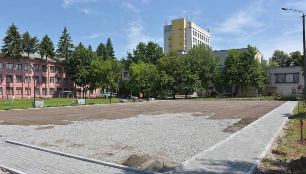 У Чернігові стартувало будівництво трьох футбольних міні-полів
