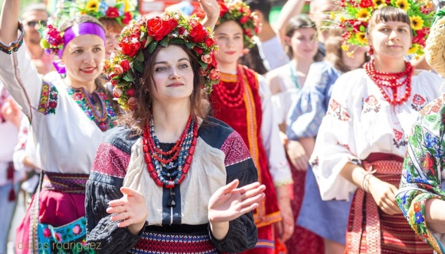 Україна отримала приз за кращі костюми на Карнавалі культур в Берліні