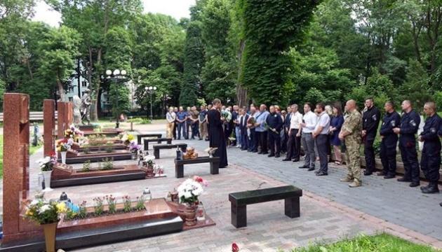 В Івано-Франківську побратими вшанували пам'ять загиблого на блокпосту Михайла Шемегінського