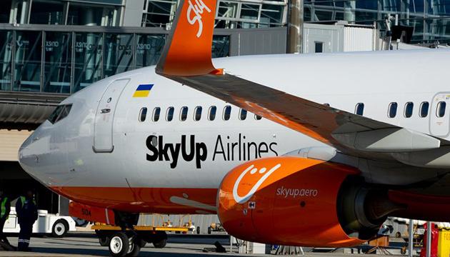 Самолет SkyUp с украинскими туристами из Занзибара застрял в Египте