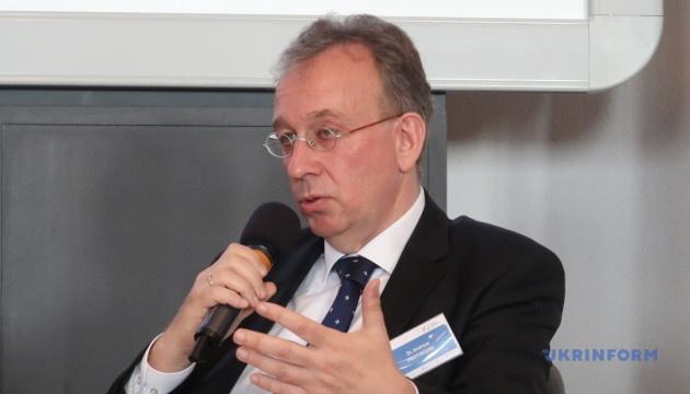 Берлін вважає передчасними розмови про зняття санкцій з РФ