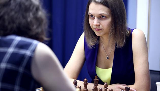 На турнірі претенденток сестри Музичук зіграли внічию і утримують друге місце