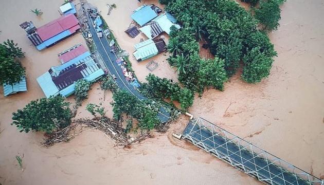 В Індонезії десятки тисяч людей залишили домівки через повені