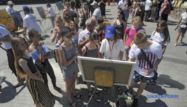 У Вінниці художники встановили рекорд заради благодійності