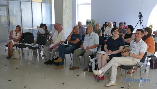 Закривати чи змінити профіль: На Франківщині обговорили реформування медзакладів