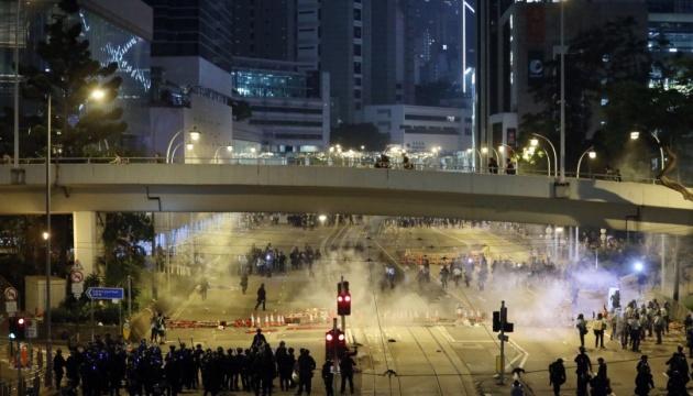 На акції протесту в Гонконзі постраждали 28 осіб