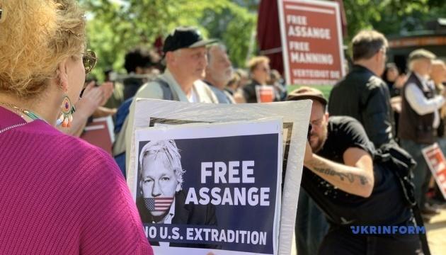 У Німеччині протестували проти екстрадиції Ассанжа