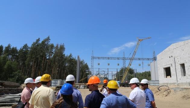 Глава МінТОТ побував на будівництві електропідстанції на Луганщині