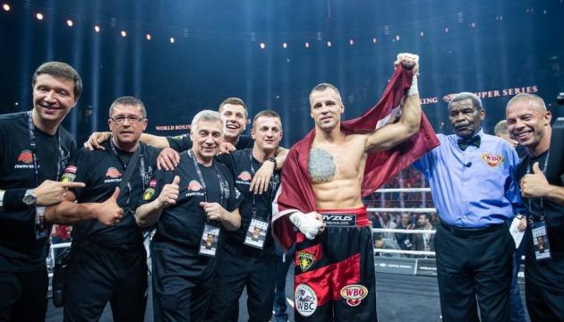 Бриедис и Дортикос вышли в финал Всемирной боксерской суперсерии