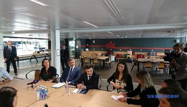 Зеленский в Париже посетил крупнейший европейский стартап-инкубатор Station