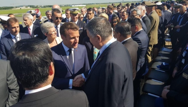 Macron praises cooperation with Ukraine in aviation sector – Avakov