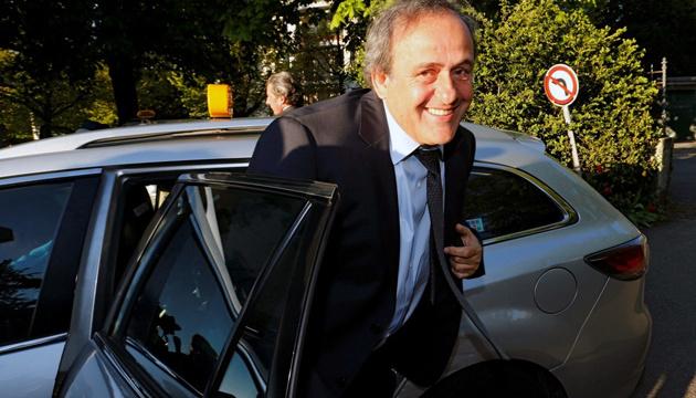 Платини требует от УЕФА €7,2 миллиона компенсации - СМИ