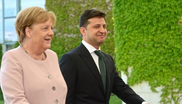 Зеленский встретился с Меркель