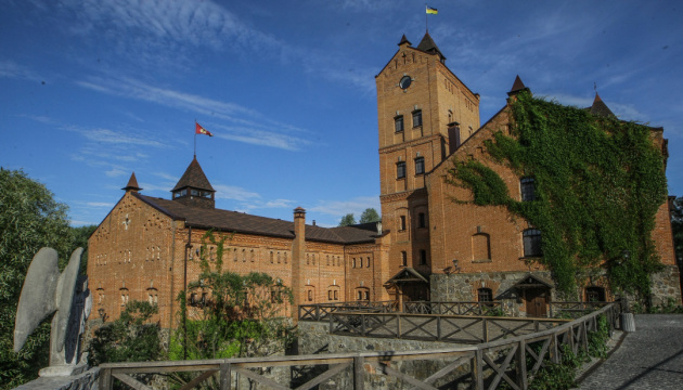 У замку «Радомисль» покажуть  литовських янголів