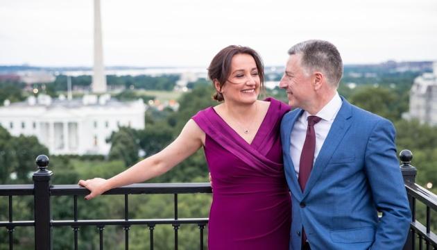 Волкер заручився з грузинською журналісткою