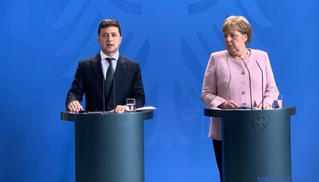 Зеленський і Меркель обговорили зустріч