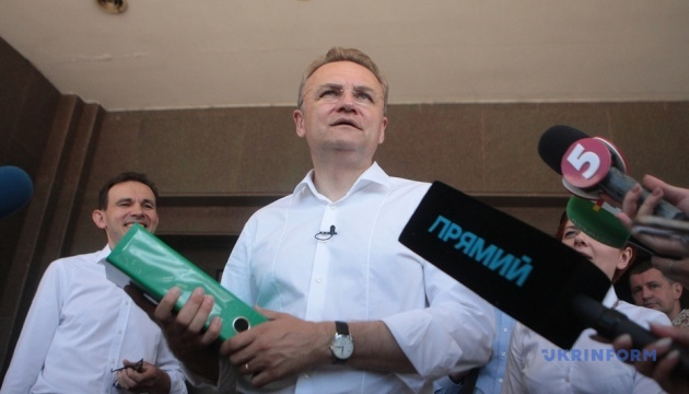 Для позбавлення телеканалів Медведчука ліцензій достатньо підстав — Садовий