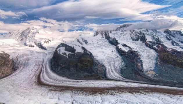 У льодовиках Тибету вчені знайшли 28 вірусів, невідомих науці