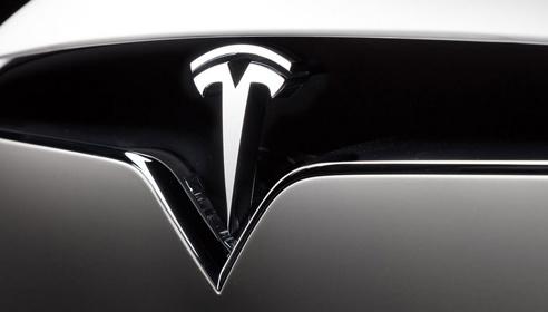 Tesla 7 січня починає масовий продаж