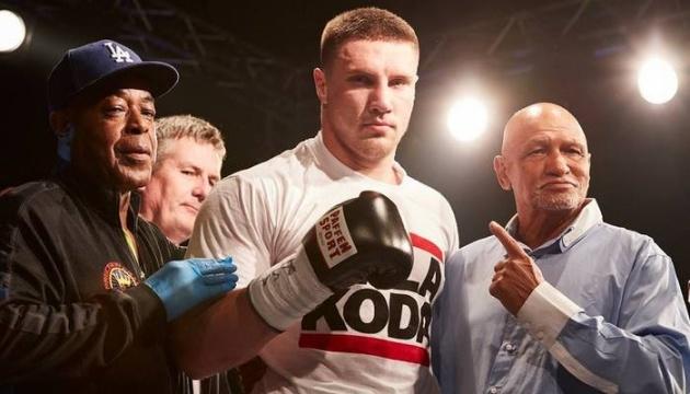 Украинец Сиренко нокаутировал российского боксера Бахтова