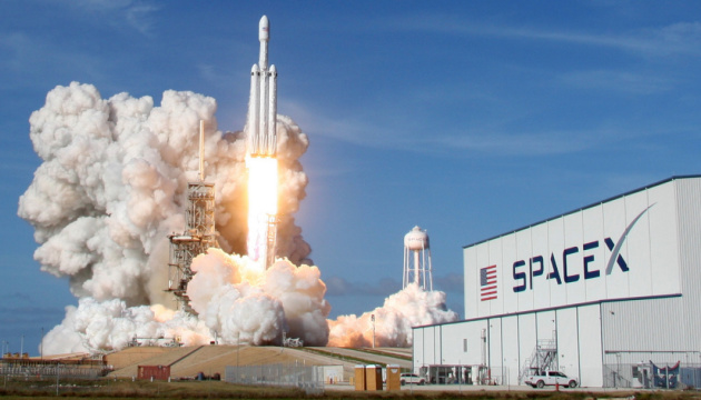 SpaceX запустила ракету с 60 интернет-спутниками Starlink