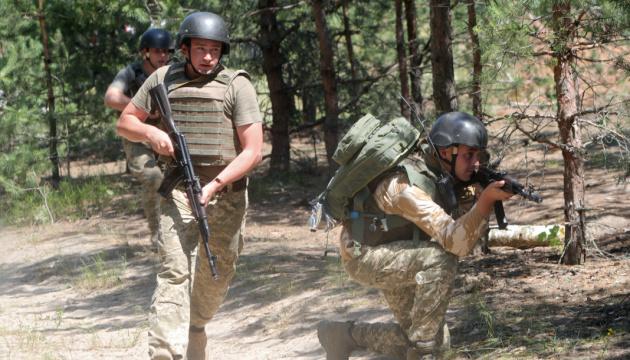 На Донбасі - 30 ворожих обстрілів, один боєць загинув