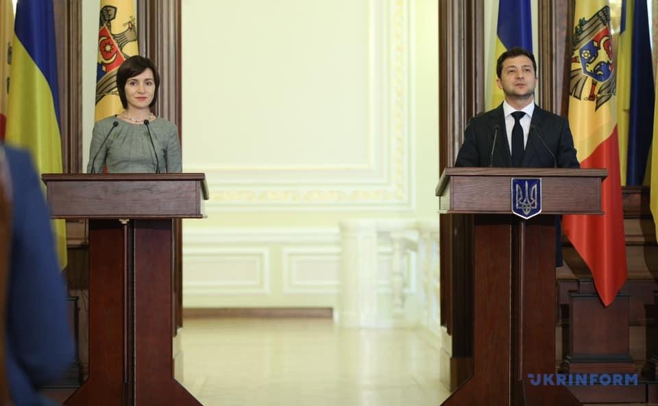 Президент Молдови Майя Санду і президент України Володимир Зеленський