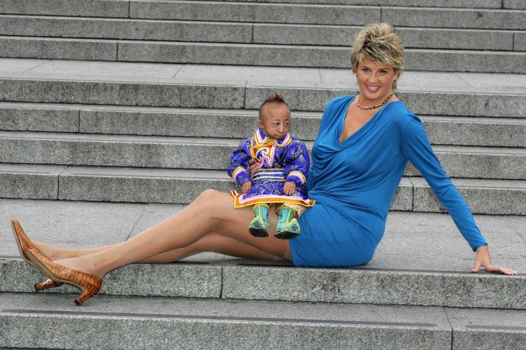 Світлана Панкратова і Хе Пінпін. Фото з сайту fishki.ne