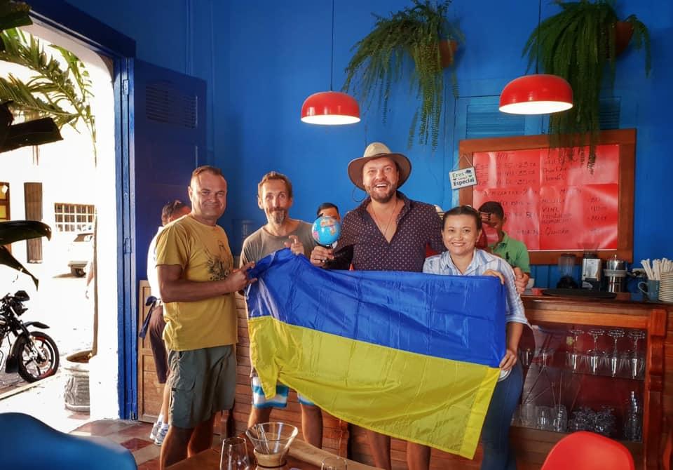 Українець вперше здійснив навколосвітню подорож без авіаперельотів