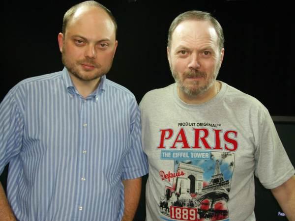 Отец с сыном - Кара-Мурзой-младшим