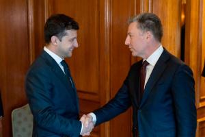 Волкер: Путин давит на Зеленского перед выборами, но это не сработает