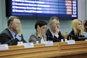 ЦВК оголосила попередження 684 кандидатам-мажоритарникам