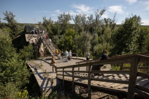 Окупанти зривають ремонт мосту у Станиці - СЦКК