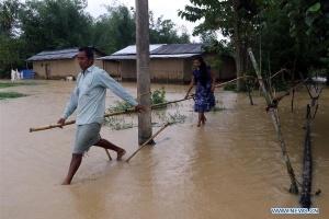 Количество погибших от наводнений в Индии достигло почти 150