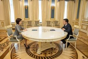 ゼレンシキー大統領、サンドゥ・モルドバ首相とエネルギー面での統合につき協議
