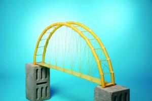 «Міст» на одному березі: Про «треба» чи «не треба» пагаваріть...