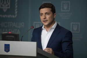 Zelensky dismisses several district heads in three regions