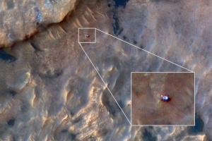 NASA показало, как выглядит Curiosity из космоса