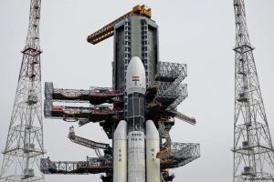 Индия в последний момент отложила запуск своей ракеты на Луну