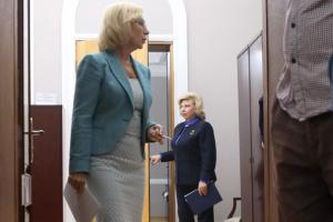 Омбудсмени України та РФ  попросять Путіна і Зеленського помилувати ряд засуджених