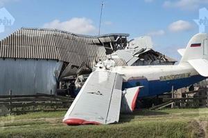 В Чечне самолет упал на частный дом