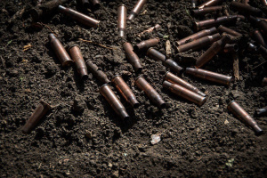 На Донбассе военные подорвались на мине, двое погибших