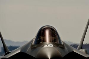 Минобороны Японии планирует разработку самолетов-невидимок на $100 миллионов
