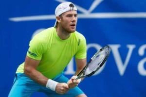 Марченко проиграл полуфинал парной сетки теннисного турнира в Нур-Султане