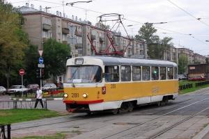 У Києві через ремонт змінять маршрут нічний тролейбус та два трамваї