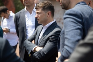 Президент обещает разобраться с зарплатными долгами на Николаевском судостроительном